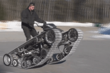 Howe & Howe's Mini Ripsaw In Action